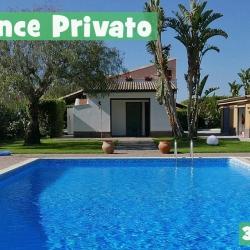 Casa Vacanze Residence Privato Con Piscina
